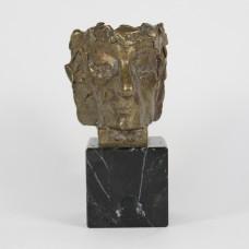 Bronzen sculptuur van K.R. Popper door Eric Claus