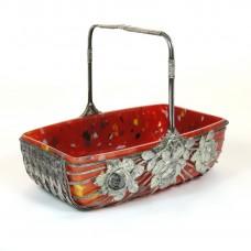 Bloemenmandje-jardiniere rode binnenschaal in metalen mandje