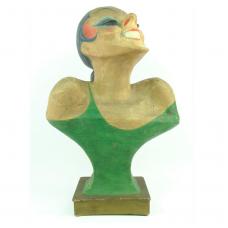 Cartooneske papier-mache buste van lachende vrouw